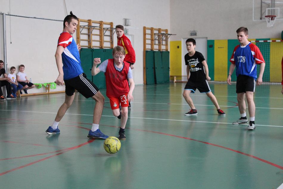 Футболисты провели мастер-класс для школьников