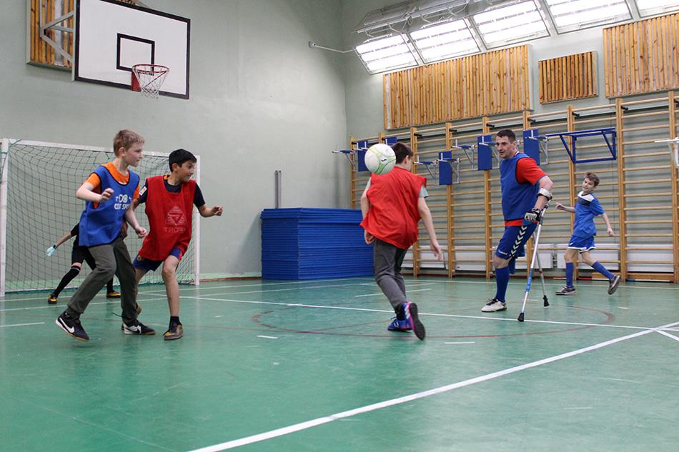 Команда школы 2010 – победитель школьного турнира по футболу