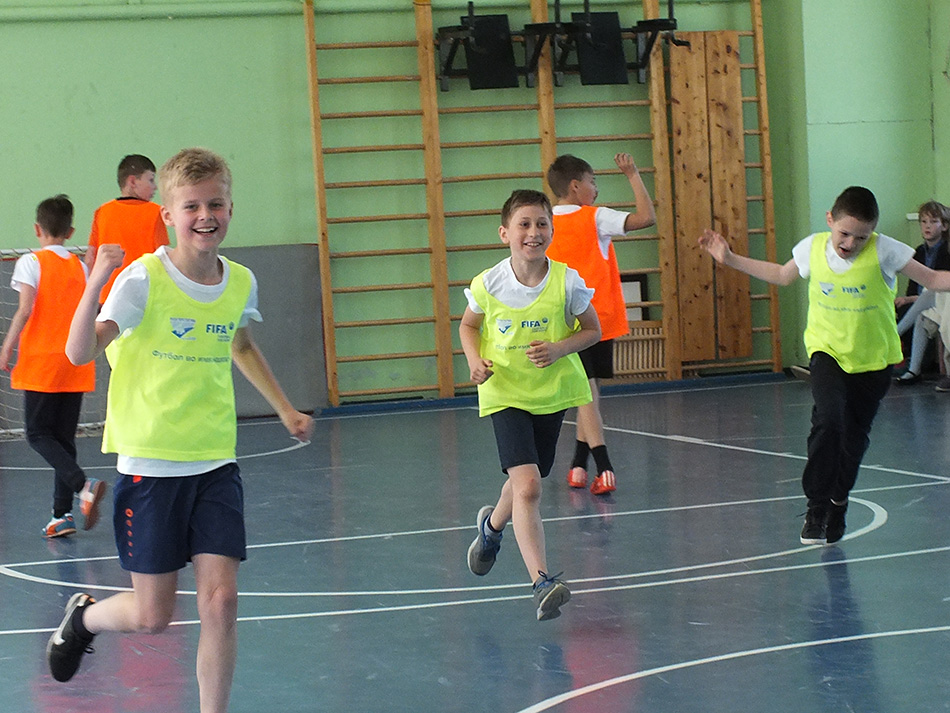 В школе №14 в подмосковных Химках прошел турнир по футболу