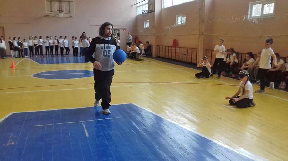 В лицее №21 прошел урок паралимпийского спорта
