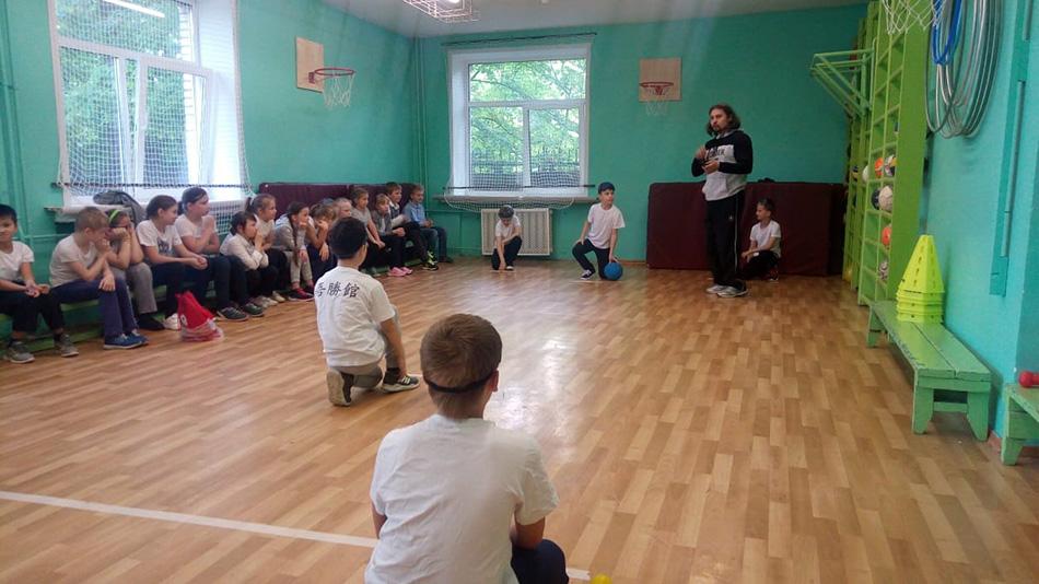 В школе №22 прошли уроки паралимпийского спорта