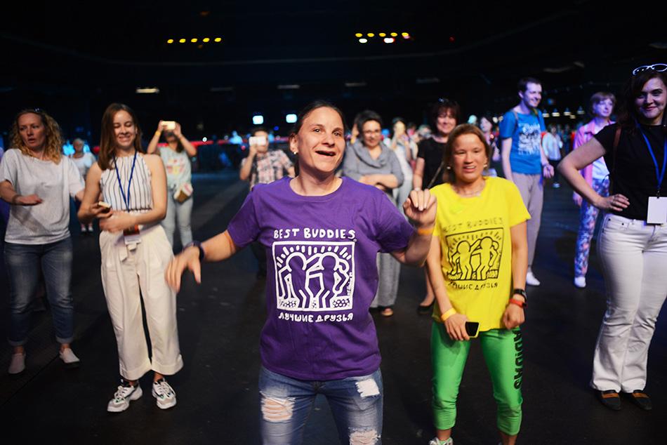 Танцы объединяют: создаем мир без границ