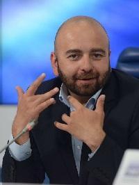 Максим Ларионов