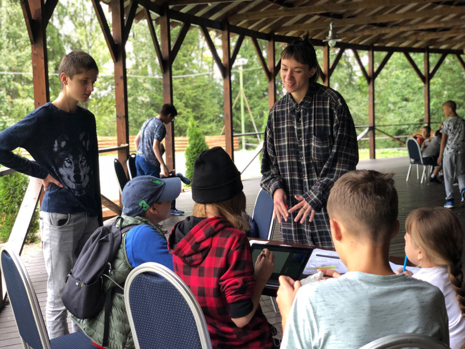 Лето с пользой: как дети провели время в лагере лидеров