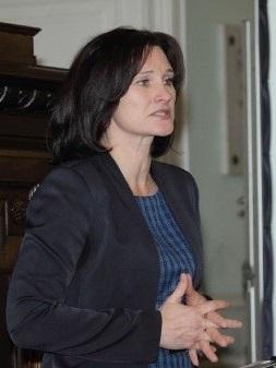 Илута Вильните, директор Рижской 5-й основной школы – Центр развития