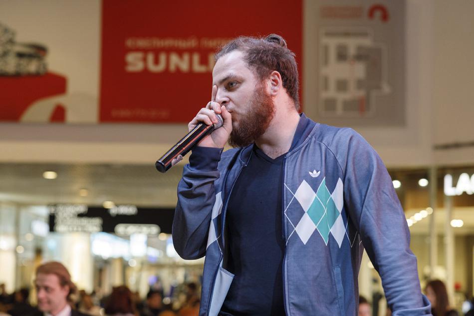 Песни, танцы и юмор: Инклюзивный концерт в МЕГЕ Белая дача