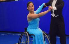 Танцы на колясках: как прошли показательные выступления в Петербурге