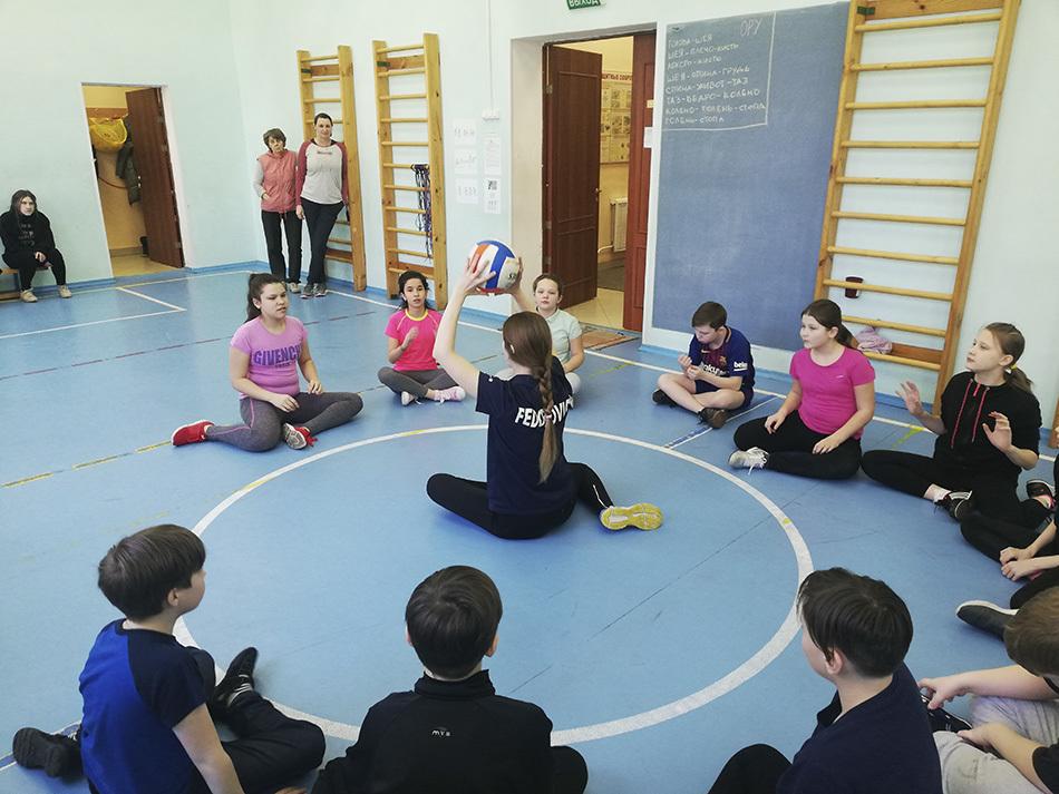 В Петербурге прошел мастер-класс по волейболу сидя