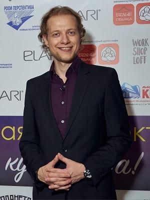 Владислав Жестков, Лучшие друзья